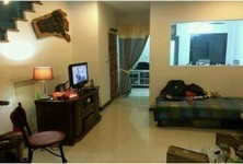 For Rent 2 Beds Townhouse in Phra Khanong, Bangkok, Thailand