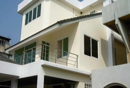For Sale 3 Beds House in Chatuchak, Bangkok, Thailand