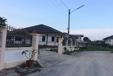 For Sale 4 Beds House in Mueang Kamphaeng Phet, Kamphaeng Phet, Thailand