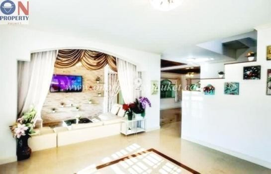 For Sale or Rent 3 Beds House in Thalang, Phuket, Thailand | Ref. TH-JUGLTHZG