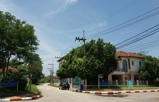 For Sale 3 Beds House in Sam Phran, Nakhon Pathom, Thailand | Ref. TH-AJDBRXED