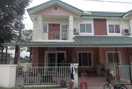 For Sale 3 Beds タウンハウス in Thanyaburi, Pathum Thani, Thailand