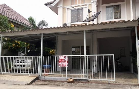 For Sale 3 Beds Townhouse in Mueang Samut Prakan, Samut Prakan, Thailand | Ref. TH-YOZERECP