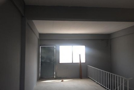 For Sale Townhouse 20 sqwa in Mueang Samut Prakan, Samut Prakan, Thailand