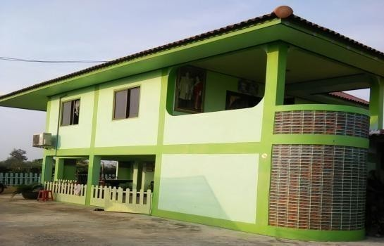 For Sale 3 Beds 一戸建て in Mueang Phetchaburi, Phetchaburi, Thailand | Ref. TH-UCXHQUAQ