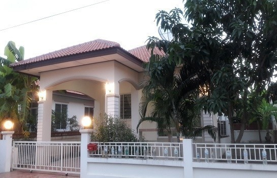 For Rent 3 Beds 一戸建て in Khlong Luang, Pathum Thani, Thailand | Ref. TH-FMXRHNUI