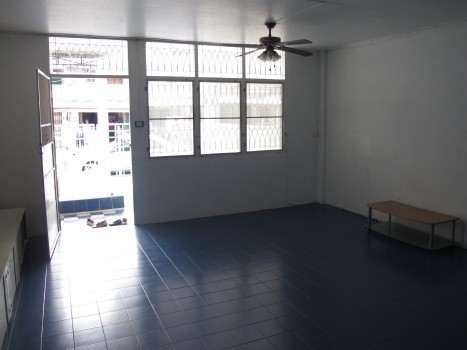 For Sale 2 Beds タウンハウス in Hat Yai, Songkhla, Thailand | Ref. TH-FDOLCYJF