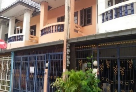 For Rent 3 Beds Townhouse in Pak Chong, Nakhon Ratchasima, Thailand