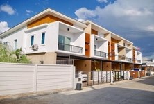 For Sale 3 Beds Townhouse in Mueang Rayong, Rayong, Thailand