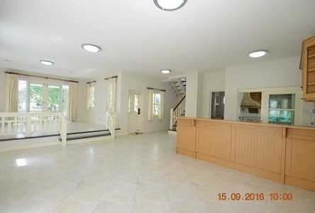 For Sale 3 Beds House in Phra Pradaeng, Samut Prakan, Thailand
