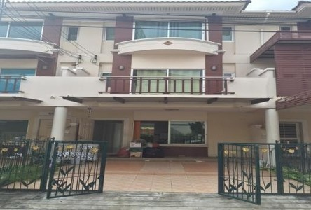For Rent 4 Beds タウンハウス in Nakhon Chai Si, Nakhon Pathom, Thailand