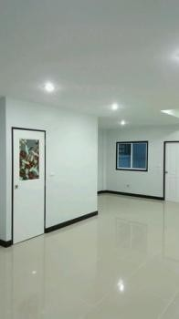 ขาย หรือ เช่า ทาวน์เฮ้าส์ 3 ห้องนอน เมืองชลบุรี ชลบุรี | Ref. TH-KZHSAXZK