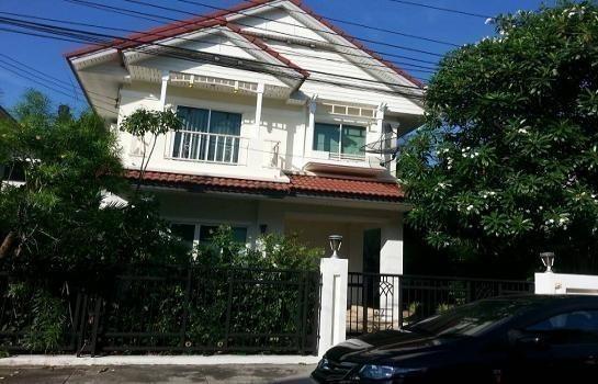 For Sale 3 Beds House in Bang Phli, Samut Prakan, Thailand   Ref. TH-WLIFCHRH