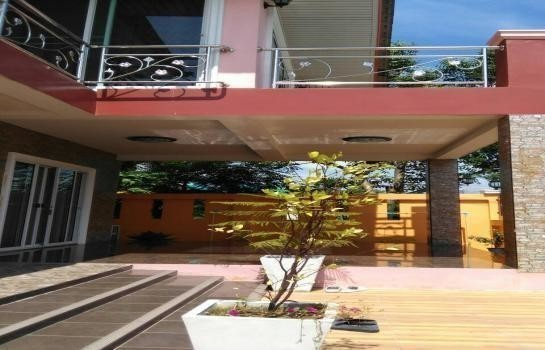 For Sale 3 Beds House in Bang Phli, Samut Prakan, Thailand | Ref. TH-GQNMTRDR