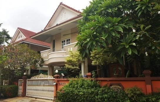 For Sale 3 Beds House in Bang Phli, Samut Prakan, Thailand | Ref. TH-VOLMVKWF