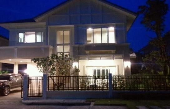 For Sale or Rent 3 Beds House in Bang Phli, Samut Prakan, Thailand | Ref. TH-OXQCZDVG