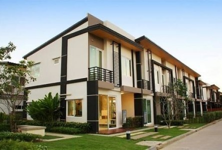 For Sale 4 Beds Townhouse in Bang Kruai, Nonthaburi, Thailand