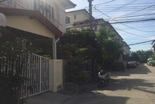 For Rent 3 Beds タウンハウス in Nakhon Chai Si, Nakhon Pathom, Thailand