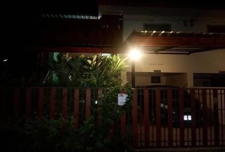 Продажа: Таунхаус с 2 спальнями в районе Phutthamonthon, Nakhon Pathom, Таиланд