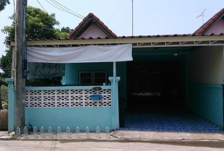 For Sale 2 Beds Townhouse in Mueang Chon Buri, Chonburi, Thailand