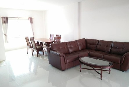 For Sale 3 Beds タウンハウス in Si Racha, Chonburi, Thailand