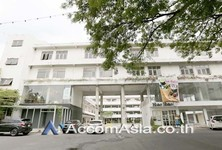 For Rent Retail Space 108 sqm in Watthana, Bangkok, Thailand