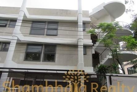 В аренду: Дом с 8 спальнями в районе Bangkok, Central, Таиланд