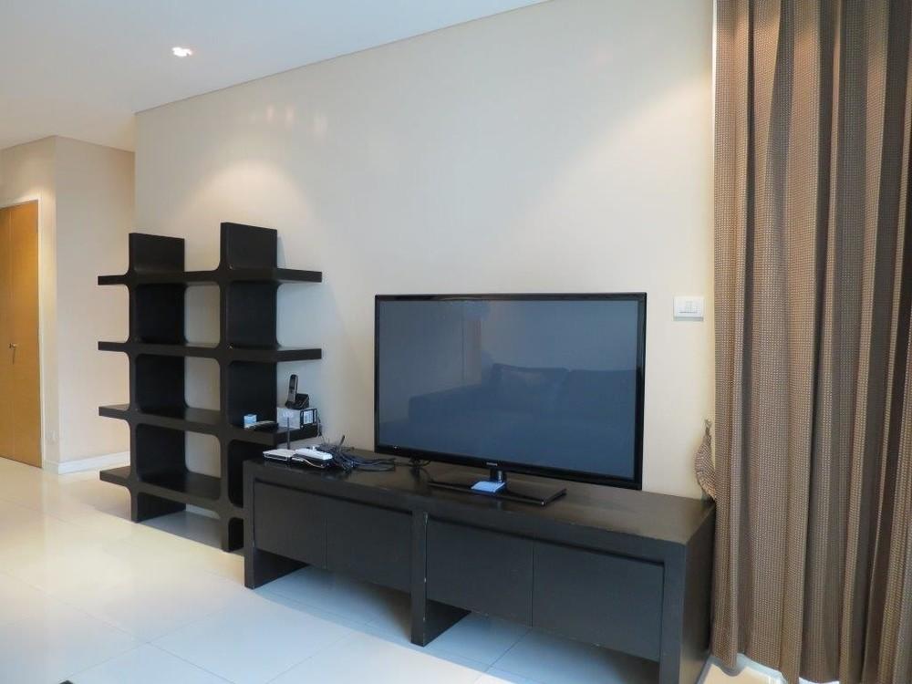 Fullerton - В аренду: Кондо с 2 спальнями возле станции BTS Ekkamai, Bangkok, Таиланд   Ref. TH-UDSFEZEL