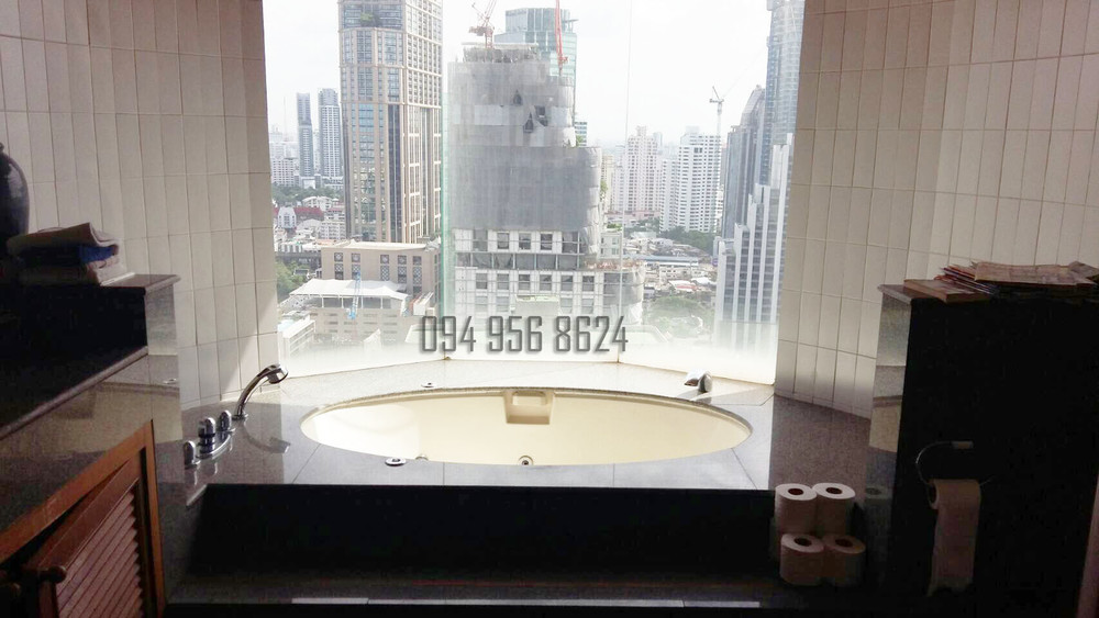 For Sale 4 Beds コンド in Khlong Toei, Bangkok, Thailand | Ref. TH-MVTEHYEW