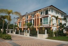 For Rent 3 Beds Townhouse in Cha Am, Phetchaburi, Thailand