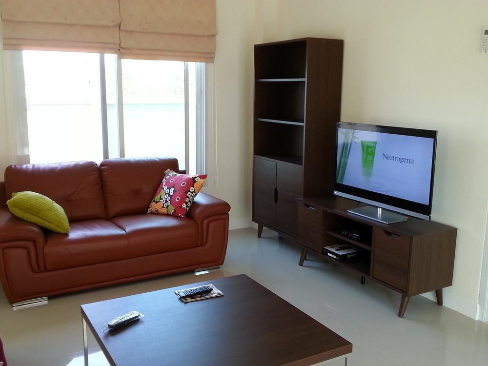 For Sale 3 Beds 一戸建て in Bang Lamung, Chonburi, Thailand | Ref. TH-KJFFWEOV