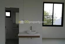 For Rent 4 Beds Office in Pak Kret, Nonthaburi, Thailand