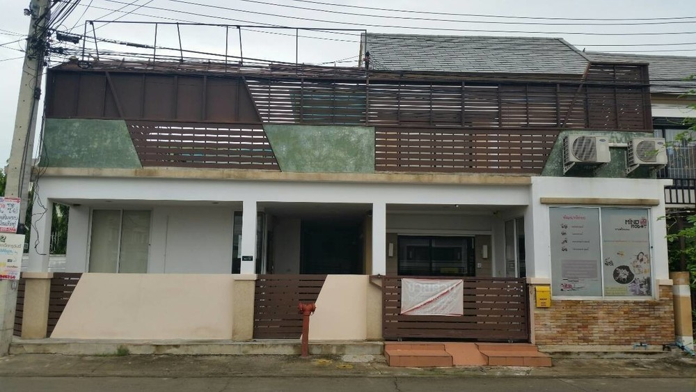 For Sale 3 Beds タウンハウス in Khlong Luang, Pathum Thani, Thailand | Ref. TH-PLGZPPBZ