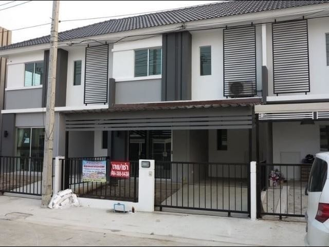 For Sale 3 Beds タウンハウス in Bang Sao Thong, Samut Prakan, Thailand | Ref. TH-NJCPRUZU