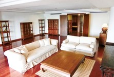 For Rent 3 Beds Condo in Huai Khwang, Bangkok, Thailand