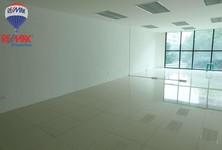 For Rent Office 85 sqm in Watthana, Bangkok, Thailand