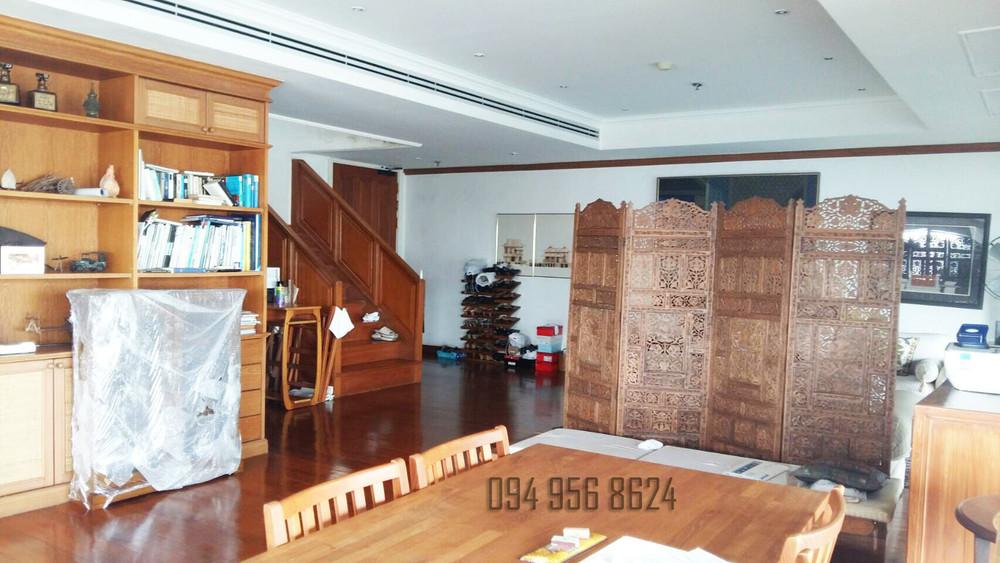 For Sale 4 Beds コンド in Khlong Toei, Bangkok, Thailand | Ref. TH-ONETPFNR