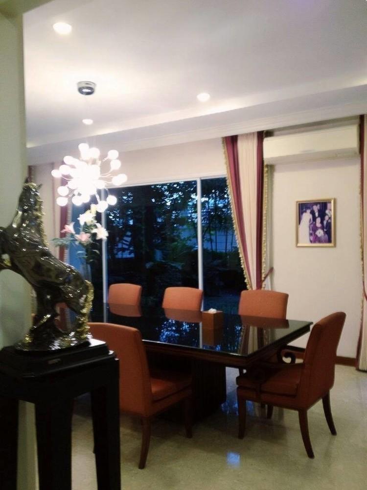 For Sale 5 Beds House in Mueang Samut Prakan, Samut Prakan, Thailand | Ref. TH-UIPWDTGI