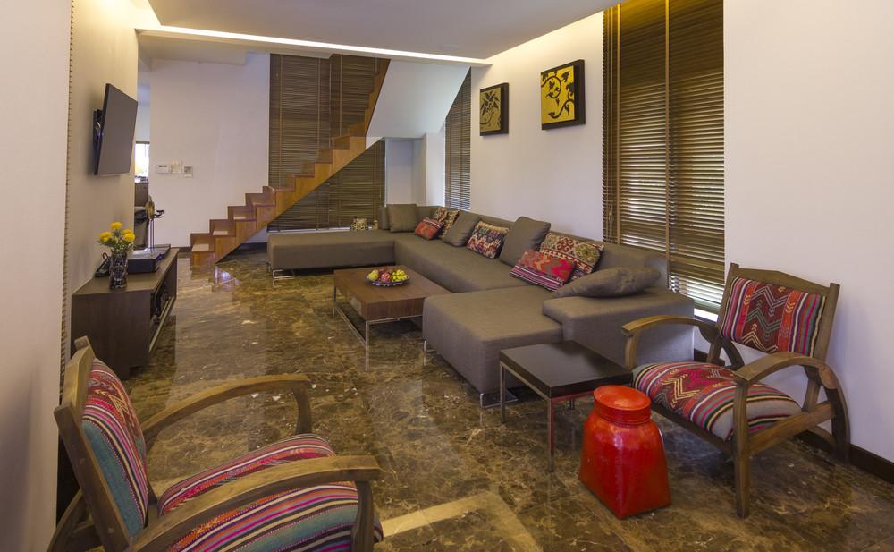 For Sale 6 Beds 一戸建て in Bang Lamung, Chonburi, Thailand | Ref. TH-URIXMTTE