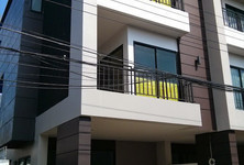 For Sale or Rent 3 Beds タウンハウス in Pak Kret, Nonthaburi, Thailand
