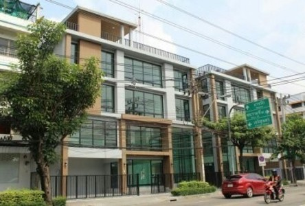 For Sale 2 Beds Shophouse in Bang Kho Laem, Bangkok, Thailand