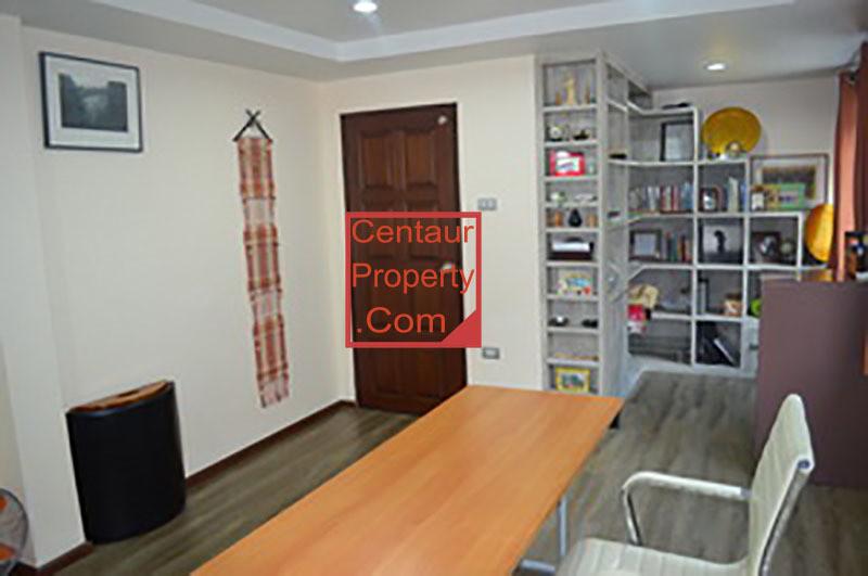 Продажа: Таунхаус с 3 спальнями в районе Watthana, Bangkok, Таиланд   Ref. TH-PPRLVMKD