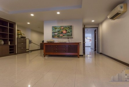 For Sale or Rent 4 Beds Condo Near BTS Ekkamai, Bangkok, Thailand