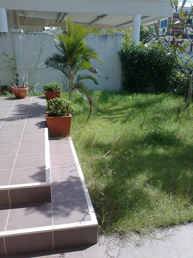 For Sale 3 Beds 一戸建て in Si Racha, Chonburi, Thailand | Ref. TH-EYJXLEVQ