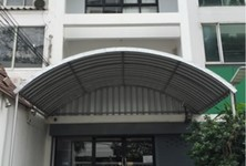 For Rent Shophouse in Watthana, Bangkok, Thailand