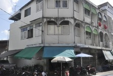 For Sale Shophouse 100 sqm in Huai Khwang, Bangkok, Thailand