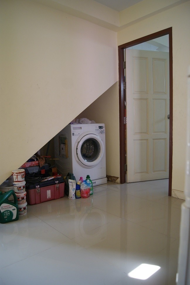 For Sale 3 Beds 一戸建て in Mueang Nonthaburi, Nonthaburi, Thailand   Ref. TH-RJIUCBUI