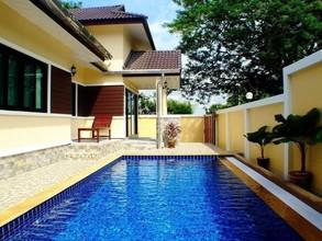 Located in the same area - Villa