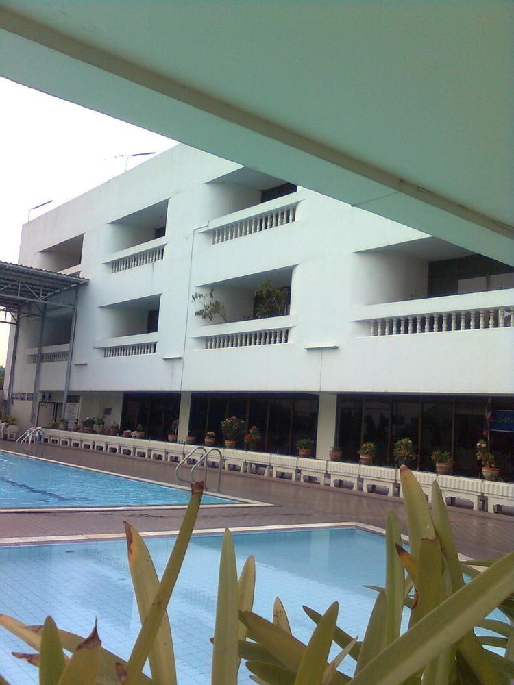 В аренду: Офис 64 кв.м. в районе Watthana, Bangkok, Таиланд | Ref. TH-XNYOJTEW