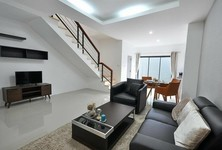 For Sale 3 Beds タウンハウス in Ban Bueng, Chonburi, Thailand